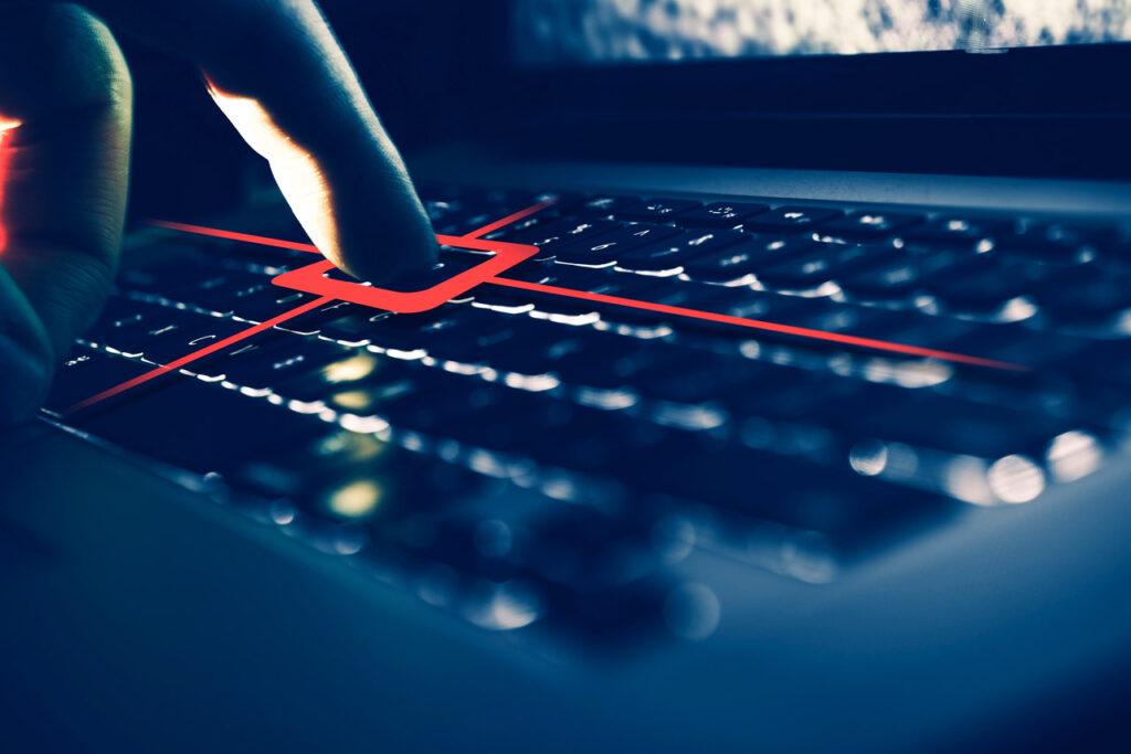 Bu virüslerden bir tanesi de Keylogger. Peki Keylogger nedir ?